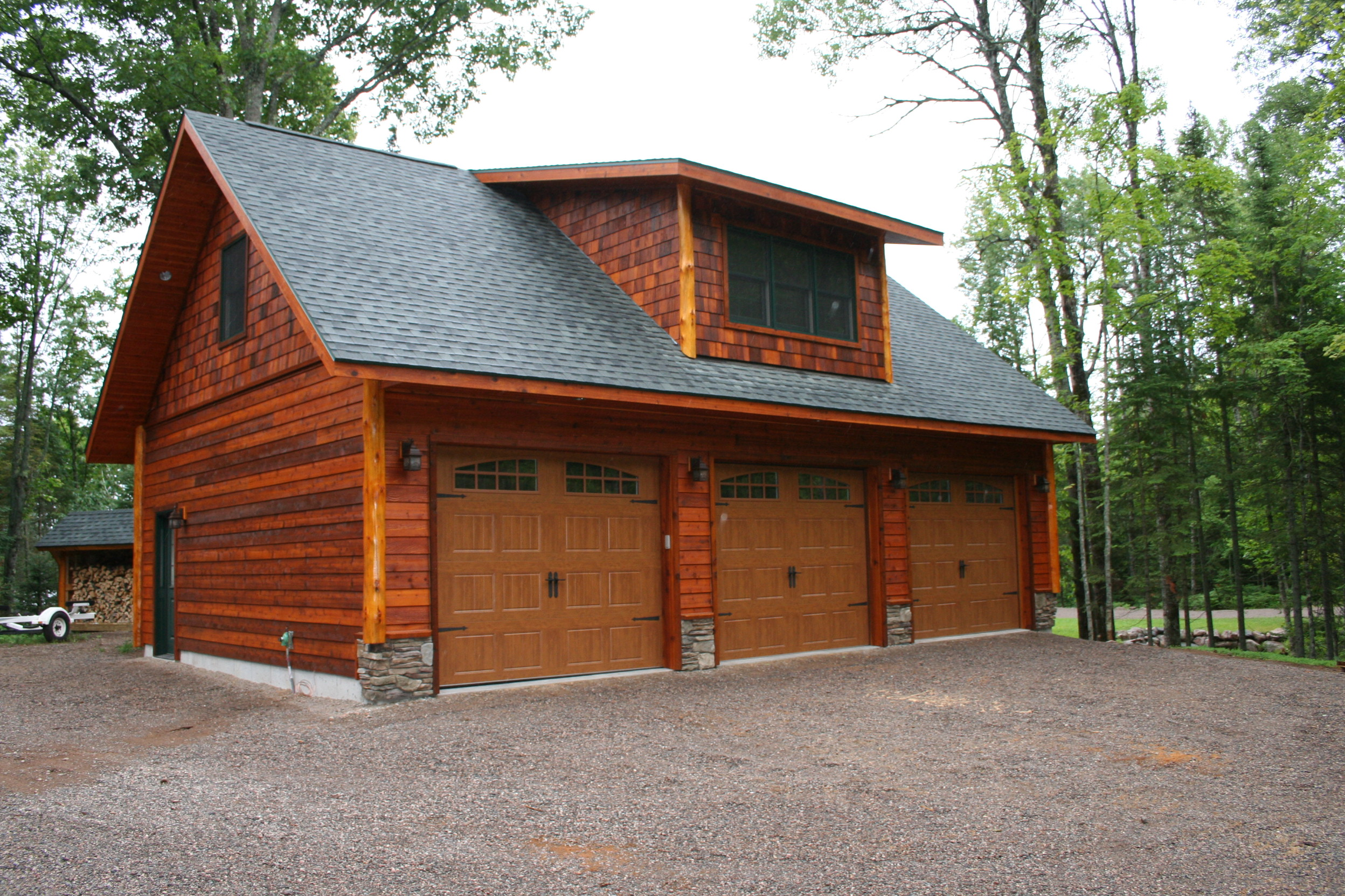 1000 images about out buildings garages on pinterest for Cedar siding house plans